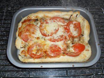cheese and tomato tarts